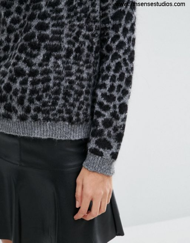 Sisley jumper in Offered animal texture black online Londoncheapest dresses womensisley price BDGKRSU129